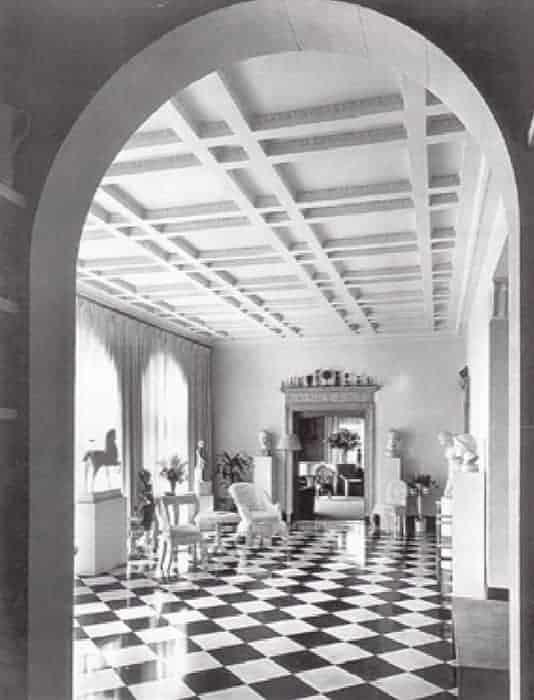 01 Helena Rubinsteins interior